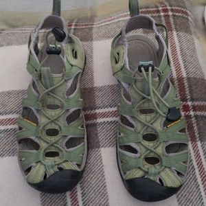Women Keen sandals, green, size 8
